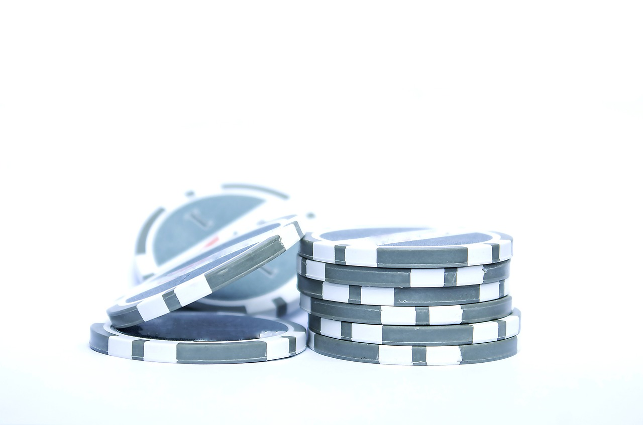 Do You Want To Play Poker Online? Here Are A Few Tips On Finding The Right Site For Your Needs