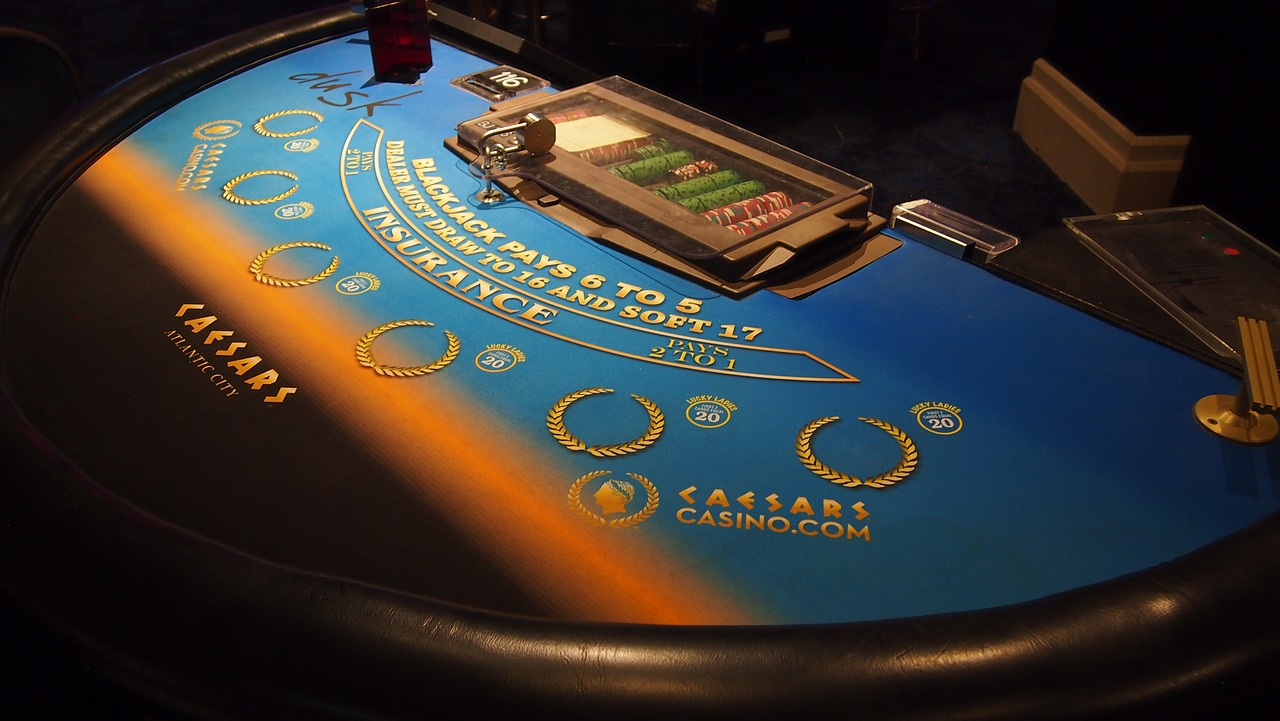 How Do You Play Online Poker Slots?